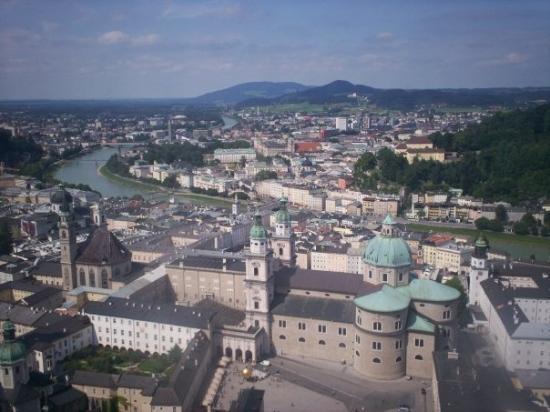 ซาลซ์บูร์ก, ออสเตรีย: View over Salzburg from Hohensalzburg Fortress