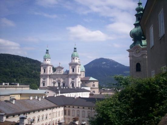 ซาลซ์บูร์ก, ออสเตรีย: Overlooking Salzburg