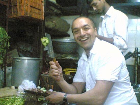 มุมไบ (บอมเบย์), อินเดีย: Chop chop chilli chop chop.