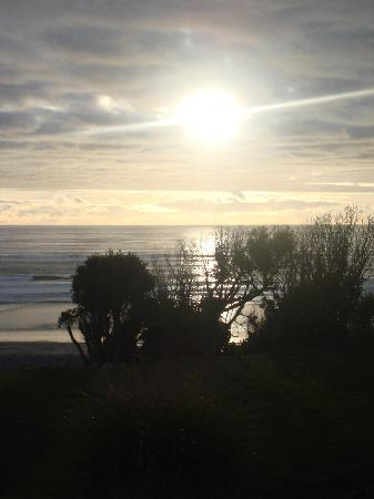 Breakers Boutique Accommodation: The view from our room