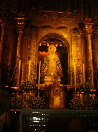 เซบียา, สเปน: La virgen más querida por los sevillanos: la Macarena