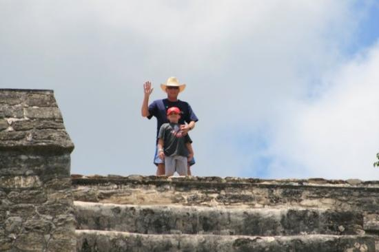 เบลีซซิตี, เบลีซ: Terry and Trey at the top of the Altun Ha Mayan Ruin site