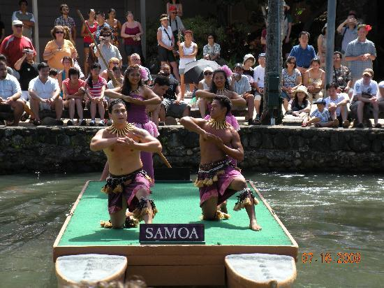 Polynesian Cultural Center: Pageant of Canoes