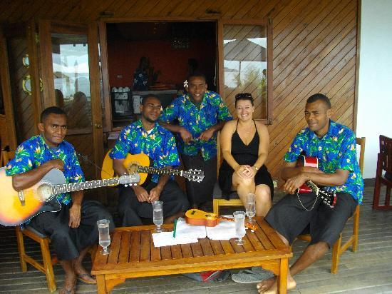 Wananavu Beach Resort: The singers