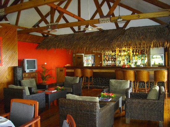 Wananavu Beach Resort: The bar