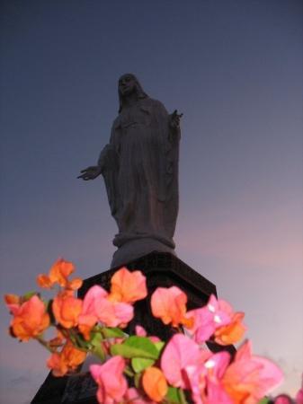 Wisata Rohani  Patung Bunda Maria di puncak Keling, Nilo (Maumere) Kec. Nita, Kabupaten Sikka