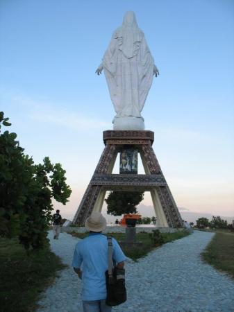 Maumere, อินโดนีเซีย: Patung Bunda Maria (tampak Belakang)  Wisata Rohani  Patung Bunda Maria di puncak Keling, Nilo
