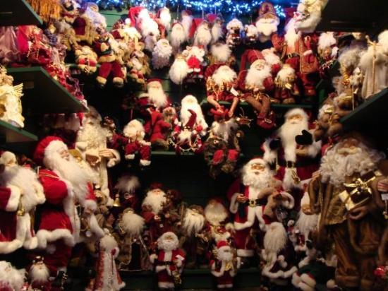 An all-year-round Christmas shop in Stratford-upon-Avon
