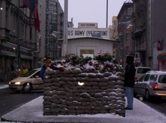 Checkpoint Charlie: Check Point Charlie (Mars 2006)