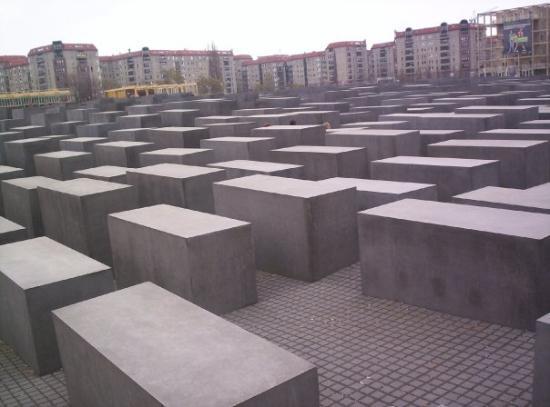 อนุสรณ์สถานฮอโลคอสต์: Mémorial pour les juifs (Berlin)