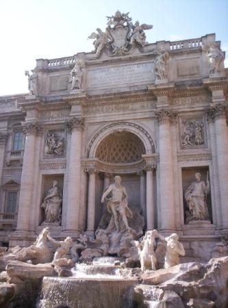 น้ำพุเทรวี่: Roma (juin 2005) : fontana di Trevi