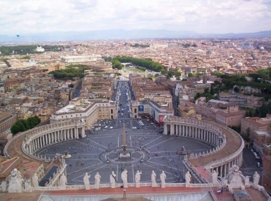 นครวาติกัน, อิตาลี: Vatican (juin 2005) : vue sur la place Saint Pierre et la ville de Rome