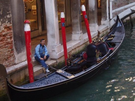 Venice Events: Siapa yang mau ikut naik gondola?