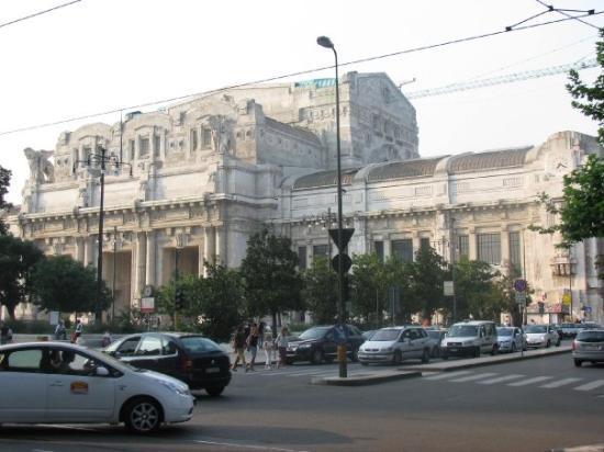 มิลาน, อิตาลี: Milan Central Train Station
