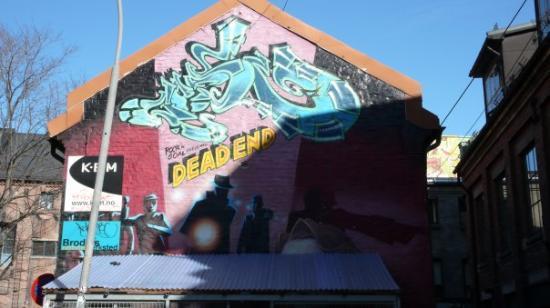 ออสโล, นอร์เวย์: Grafitti i Brenneriveien