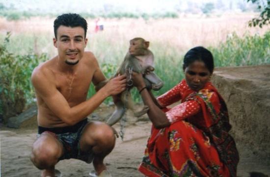 มุมไบ (บอมเบย์), อินเดีย: Ganeshpuri. El mono que me mordió