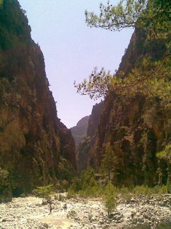 Samaria Gorge National Park: Bottom of the Gorge Very hot
