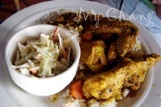 Conch Fritters Bar and Grill: Curry Chicken