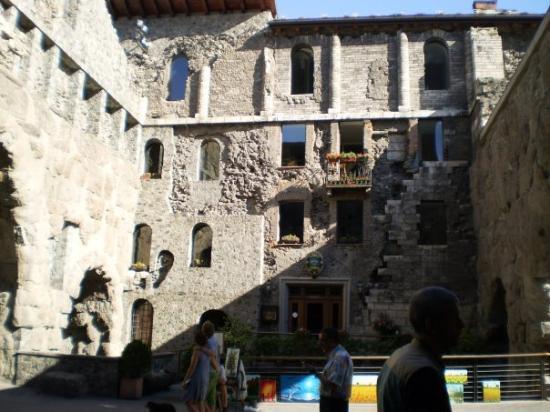 ออสตา, อิตาลี: antiche mura aosta