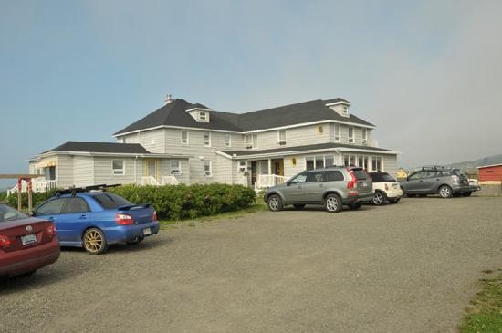 Havre-sur-Mer Inn: Front of Inn