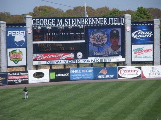 George M. Steinbrenner Field ภาพถ่าย
