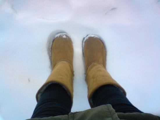 อังการา, ตุรกี: @ Ankara 29 Dec. 雪靴和雪  昨天一整天的雪 積了不小一層