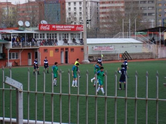 อังการา, ตุรกี: @ ULUS  30 Mart,09 Özgür'ün Fotbol Maçı  7:0...yendikkk:)