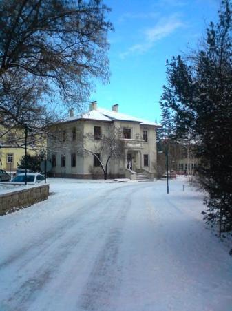 อังการา, ตุรกี: @ Ankara 29 Dec. 安大農學院  平常很不起眼的小路 有了白雪的裝飾 瞬間變得迷人