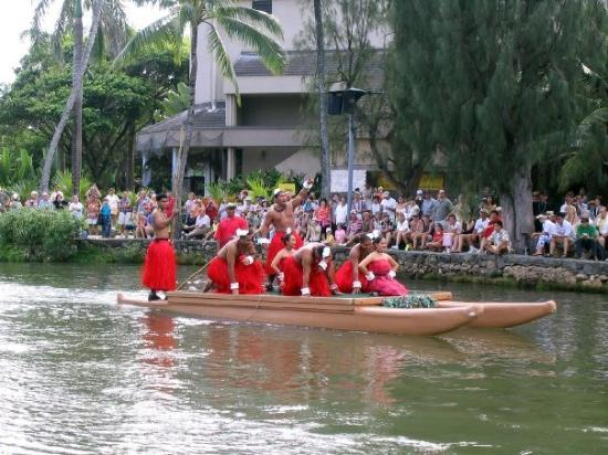 Polynesian Cultural Center: more...Polynesian Dancers