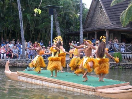 Polynesian Cultural Center: and more...Polynesian Dancers