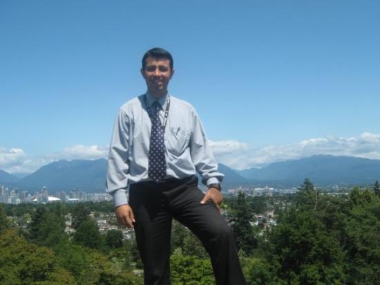 แวนคูเวอร์, แคนาดา: The Mountains in the back...