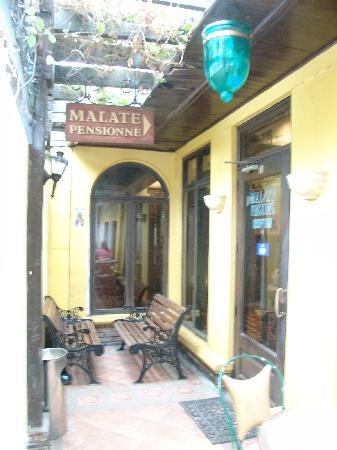 Malate Pensionne: The front entrance