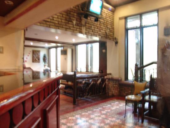 Malate Pensionne: The reception area