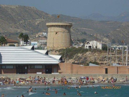Campello, Espagne : la tour à coté de la marina