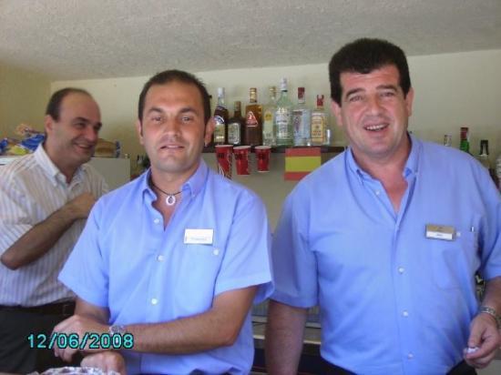 แคเลลา, สเปน: bar personalen som var så underbara,beställde man en coca cola light fick man en coca cola med v