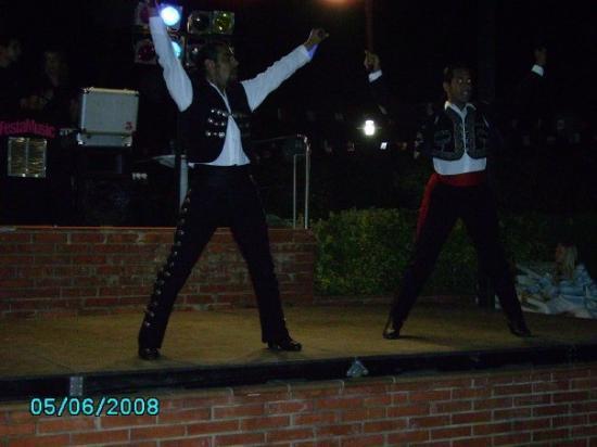 แคเลลา, สเปน: flamincoshow,nice boys!;)