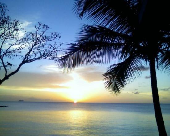 กรอสไอเลต, เซนต์ลูเซีย: View of the sunset from our back door