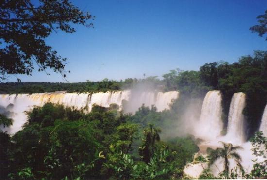 Iguazu Falls: Foz de Iguazu- Argentina