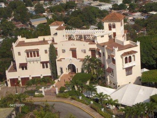 El Museo Castillo Serralles : Palace, Ponce, PR