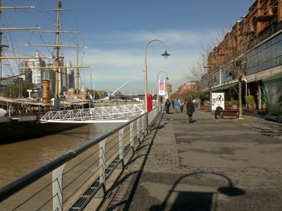 เปอร์โตมาเดโร: Puerto Madero