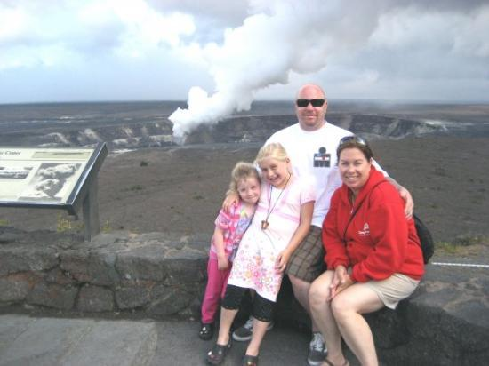 Hawaii Volcanoes National Park, ฮาวาย: big island 2008, me and the girls