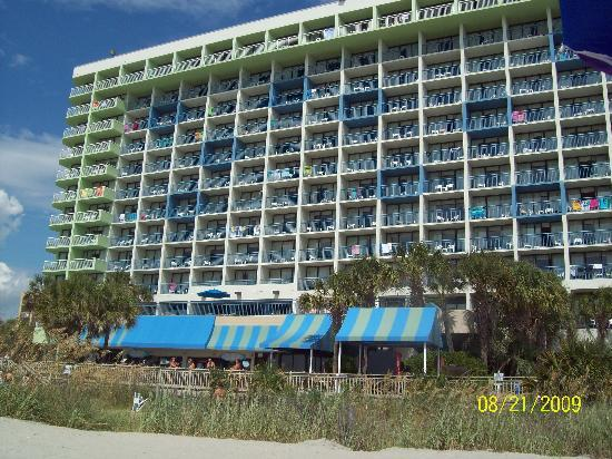 Coral Beach Resort & Suites: pic of the hotel from the beach