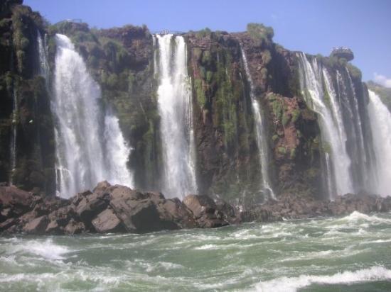 ฟอสโดอีกวาซู: Chutes d'Iguaçu