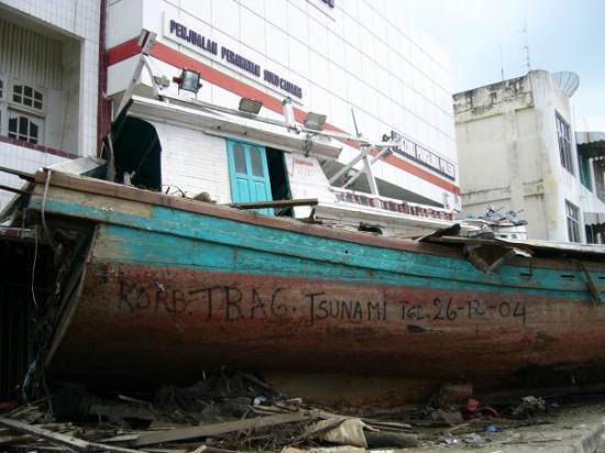 บันดา อะเจห์, อินโดนีเซีย: Bande Ache, Tsunami