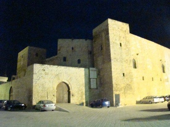 Castello di Sannicandro di Bari, by night