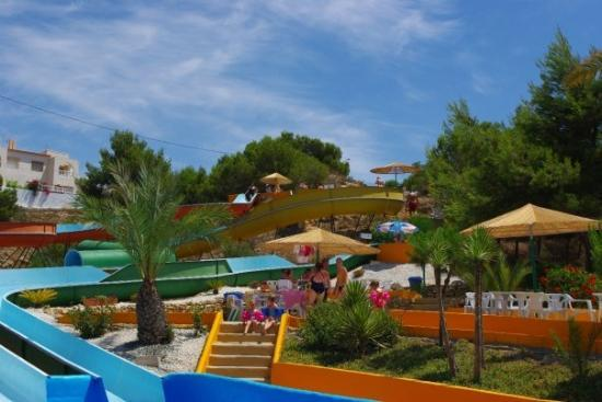 La Marina, สเปน: Everything is very colourful at the local aqua park.