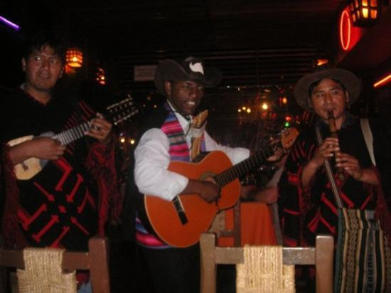 ลิมา, เปรู: live peruvian music :)