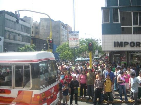 ลิมา, เปรู: crowds