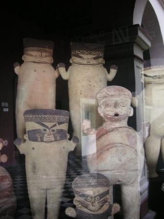 ลิมา, เปรู: I love those figures! sooo cool! in a museum