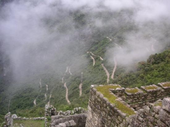 มาชูปิกชู, เปรู: the road to Machu Picchu! hahaha...crazy!